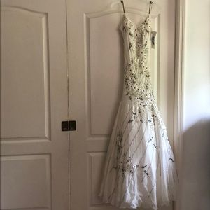 NWT Sue Wong ivory floral beaded gown